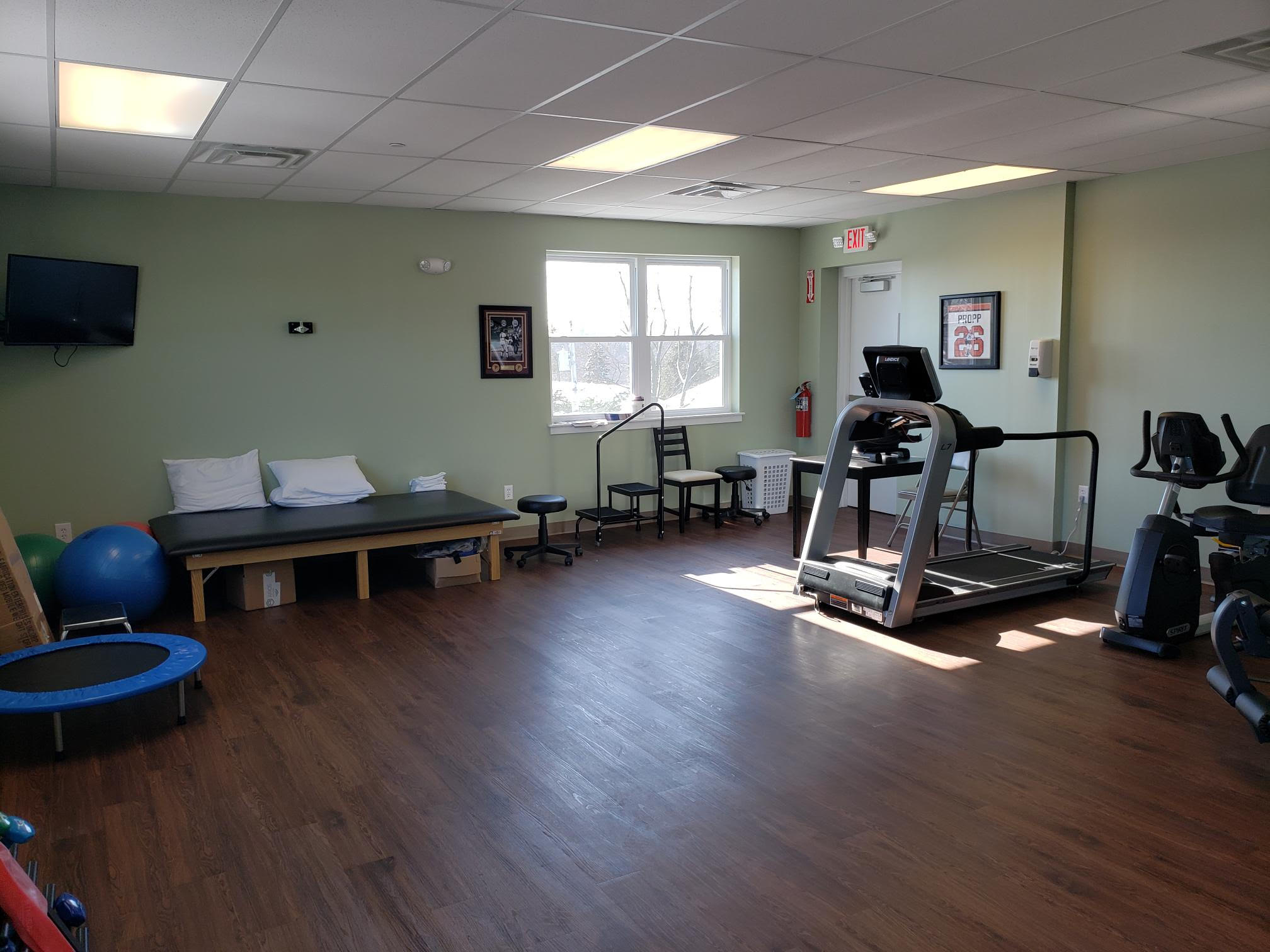 physical therapy clinic - exercise and therapeutic devices at Forward Progress Injury Care in Horsham, PA